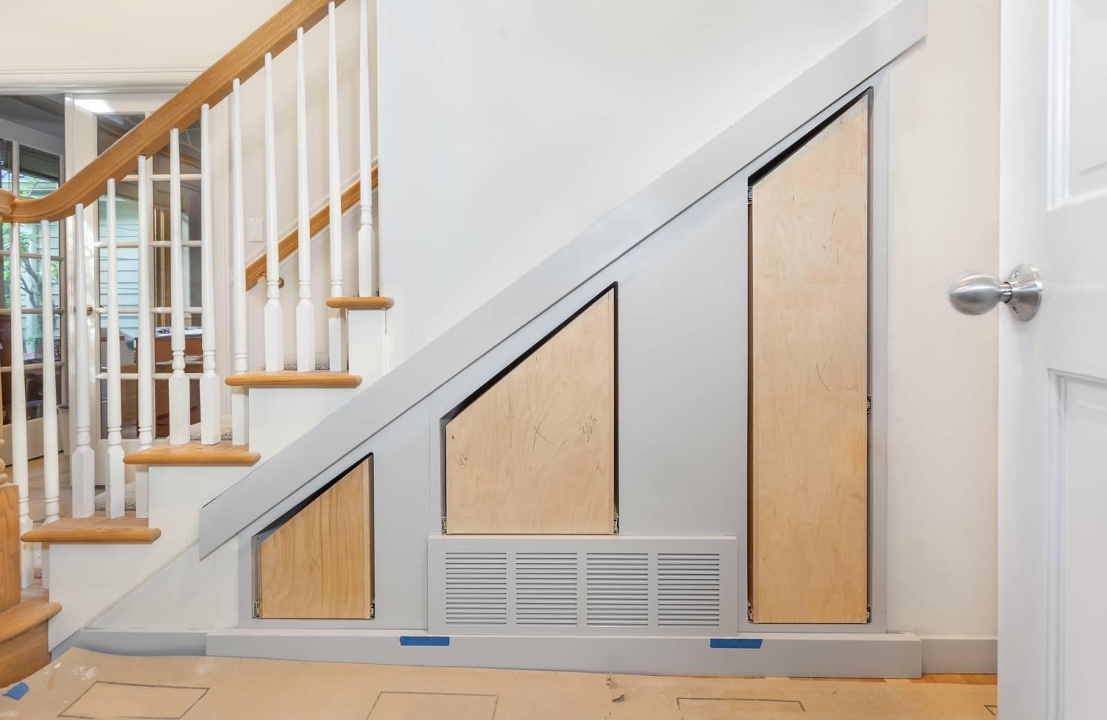 Amenager Un Placard Existant réalisation d'un placard sur-mesure sous un escalier au