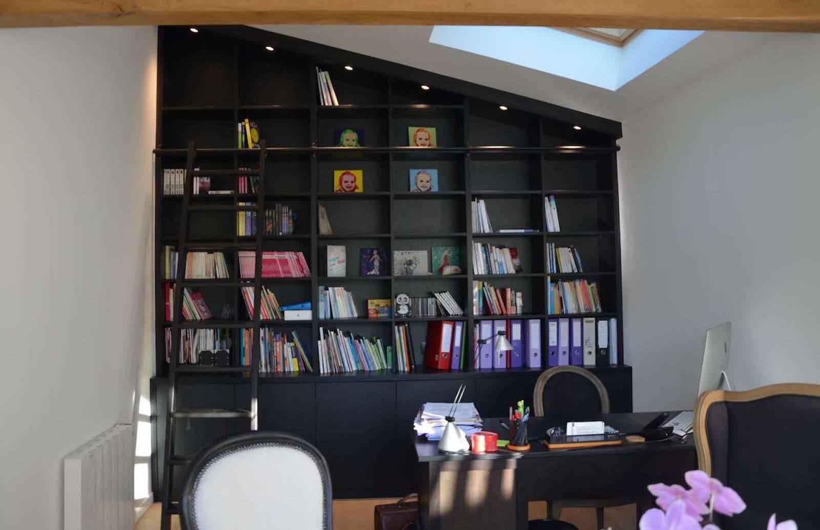 Installation D Une Bibliotheque Sur Mesure Dans Un Bureau Sous Pente A Rouen Proche Le Havre Dressings Et Placards Sur Mesure A Rouen Dldp